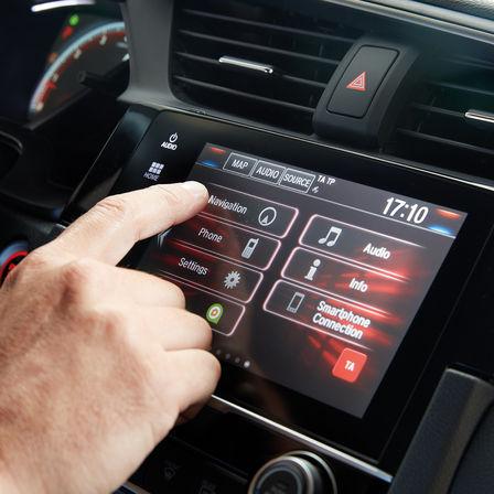 Primo piano del sistema di infotainment Honda CONNECT.