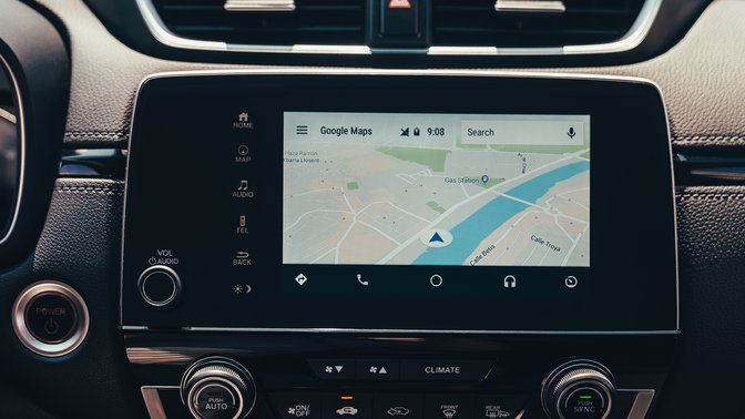 Primo piano laterale delle icone del touchscreen dell'Honda CR-V Hybrid.