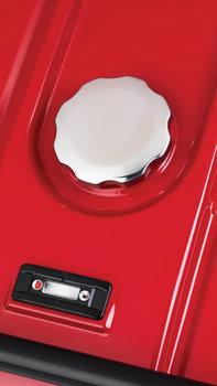 Dettaglio del tappo del serbatoio carburante.