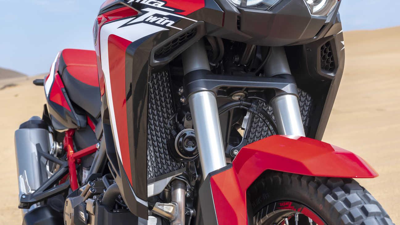 Honda Africa Twin, zoom sulla protezione del radiatore