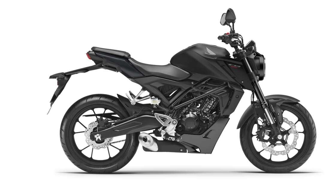 Honda CB125R, lato destro, scatto in studio, moto nera